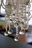 De abstracte steekproef van glasballen op een draad   Stock Foto's