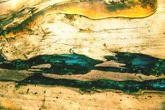 De abstracte Textuur van het Glas Barsten op een stuk van groen en ultraviolet glas en op de houten textuur Stock Afbeelding