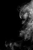 De abstracte witte rook op zwarte achtergrond Royalty-vrije Stock Afbeelding