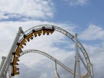De achtbaan in amusemen Royalty-vrije Stock Foto