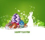 De achtergrond en het ei van konijnpasen in gras Stock Afbeeldingen
