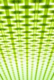 De achtergrond of de textuur van het contrast zwart-witte geometrische patroon Het contrast is groene geometrische patroonachterg Stock Fotografie