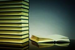 De achtergrond van boeken Stock Foto