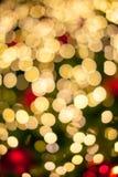 De achtergrond van Bokehlichten op Kerstmisboom Stock Afbeeldingen
