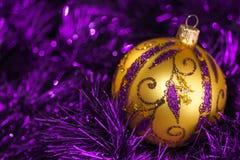 De achtergrond van de decoratieelementen van de nieuwjaarkerstboom Stock Foto's