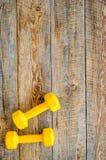 De achtergrond van de geschiktheid Domoren op houten hoogste mening als achtergrond copyspace Stock Foto's