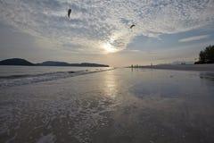 De achtergrond van de hemel op zonsopgang De samenstelling van de aard Stock Fotografie