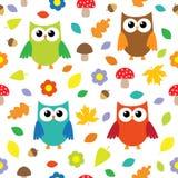 De achtergrond van de herfst met uilen Stock Afbeeldingen
