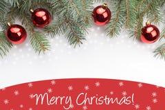 De achtergrond van de Kerstmisdecoratie met bericht Vrolijke Kerstmis! Stock Afbeeldingen