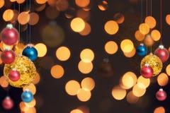De achtergrond van de Kerstmisvakantie over de winter bokeh Stock Afbeelding