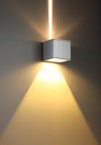 De achtergrond van de kleur met verlichtingsbol Stock Afbeelding