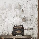 De achtergrond van de muur en van de harmonika Stock Fotografie