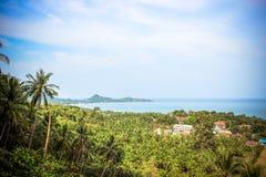 De achtergrond van de reisvakantie Tropisch eiland met Stock Afbeeldingen