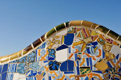 De Achtergrond van de tegel in Park Guell in Barcelona Spanje Royalty-vrije Stock Afbeeldingen