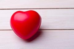 De achtergrond van de valentijnskaartendag met harten. stock foto