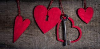 De achtergrond van de valentijnskaartendag. Sleutel van mijn hartconcept. Stock Fotografie