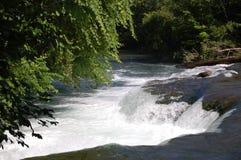 De Achtergrond van de waterval Stock Foto's