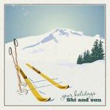 De achtergrond van de winter Bergen en skimateriaal in de sneeuw stock illustratie