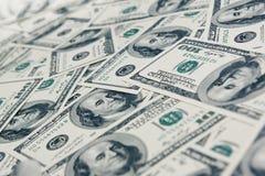 De achtergrond van dollars die van honderd dollarsrekeningen wordt gemaakt Royalty-vrije Stock Fotografie