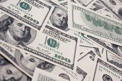 De achtergrond van dollars die van honderd dollarsrekeningen wordt gemaakt Royalty-vrije Stock Afbeeldingen