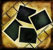De achtergrond van Grunge met filmstrip en fotoframes Stock Foto