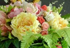 De achtergrond van het bloemboeket royalty-vrije stock afbeelding
