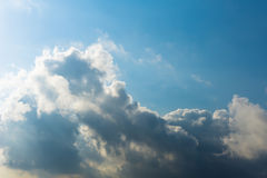 De Achtergrond van het de Hemelzonlicht van de wolkencumulus Royalty-vrije Stock Afbeeldingen