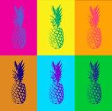 De achtergrond van het Duotonepop-art met ananassen Royalty-vrije Stock Afbeeldingen
