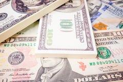 De Achtergrond van het geld Usd dollar Rekeningen van de geld de Amerikaanse dollar Stock Fotografie