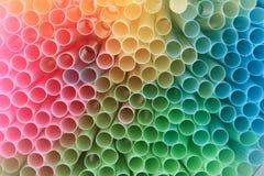 De achtergrond van het stro in regenboogkleuren Stock Foto