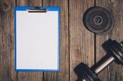 De achtergrond van het trainingplan Domoren op houten gymnastiekvloer of lijst Stock Afbeelding