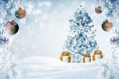 De achtergrond van kerstboomgiften in openlucht Royalty-vrije Stock Foto's