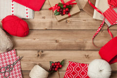 De achtergrond van Kerstmis Breiende en Naaiende Uitrusting Royalty-vrije Stock Afbeelding