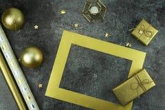 De achtergrond van Kerstmis creatieve abstracte samenstelling van Kerstmisdecoratie Stock Foto's