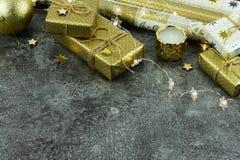 De achtergrond van Kerstmis creatieve abstracte samenstelling van Kerstmisdecoratie Royalty-vrije Stock Afbeelding