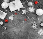 De achtergrond van Kerstmis creatieve abstracte samenstelling van Kerstmisdecoratie Stock Afbeeldingen