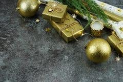 De achtergrond van Kerstmis creatieve abstracte samenstelling van Kerstmisdecoratie Stock Foto