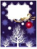 De achtergrond van Kerstmis met bomen en sneeuwvlokken Stock Foto's
