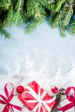 De achtergrond van Kerstmis met giften Stock Fotografie