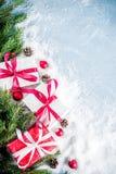 De achtergrond van Kerstmis met giften Royalty-vrije Stock Afbeelding