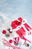 De achtergrond van Kerstmis met giften Royalty-vrije Stock Fotografie