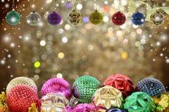 De achtergrond van Kerstmis met Kerstmisbal Royalty-vrije Stock Afbeelding