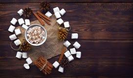 De achtergrond van Kerstmis met plaats voor tekst Vector illustratie traditionele de winterdri stock afbeelding