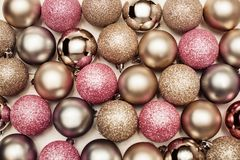 De achtergrond van Kerstmisballen, gelukkig nieuw jaar stock foto