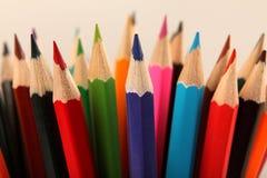 De achtergrond van kleurenpotloden Selectieve nadruk Royalty-vrije Stock Fotografie
