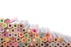 De achtergrond van kleurenpotloden sluit omhoog van potloodkleur royalty-vrije stock foto