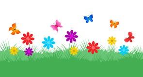 De achtergrond van de lente Mooie tuinachtergrond met vlinders Stock Afbeeldingen