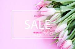 De achtergrond van de de lenteverkoop met van de lentebloemen royalty-vrije stock foto
