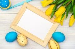 De achtergrond van Pasen met eieren Royalty-vrije Stock Afbeeldingen