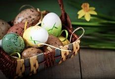 De achtergrond van Pasen met eieren Stock Afbeelding